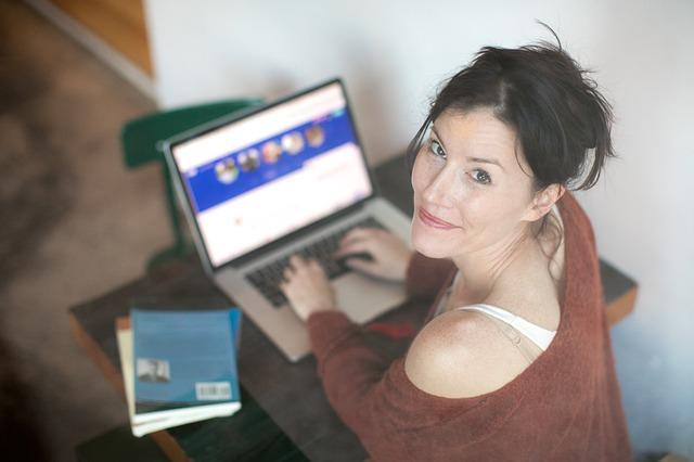 Sådan finder du drømme kæresten via online dating