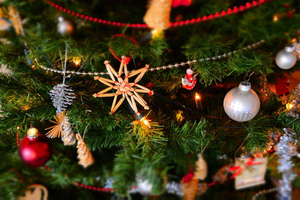 Julen varer længe – koster mange penge