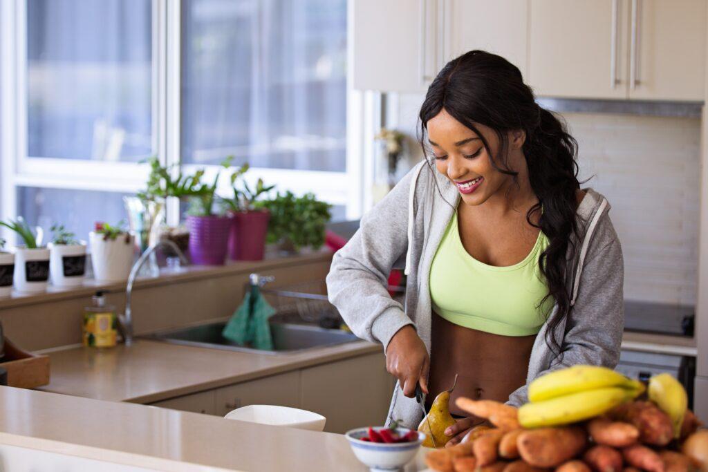 Køkkeninspiration: 3 simple tiltag der øger dine evner i køkkenet
